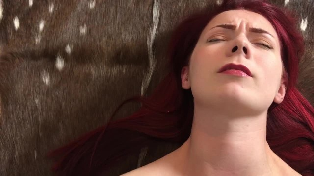 natural tits fingering solo